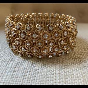 Stretch gold bracelet
